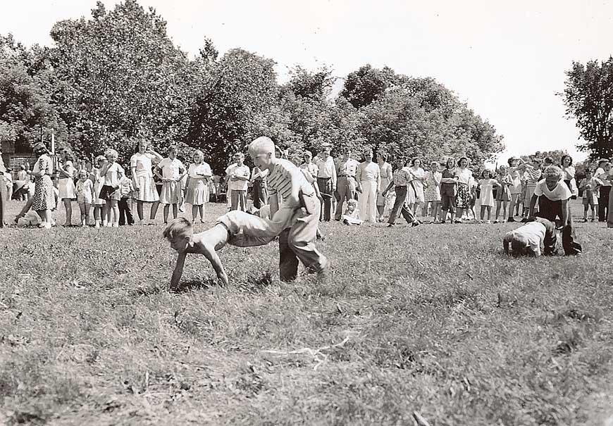 Wheelbarrow races
